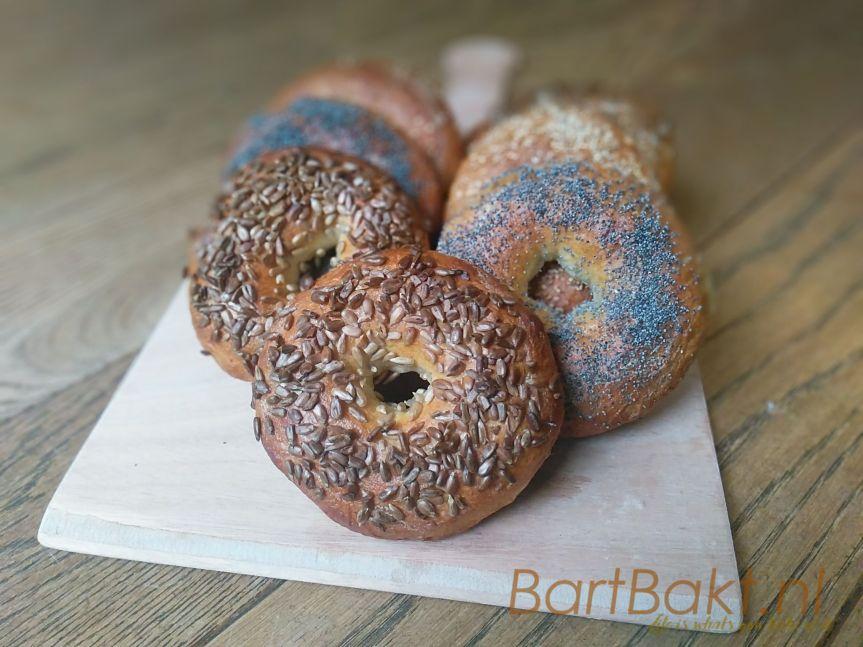 Bagels, uitgekookte broodjes