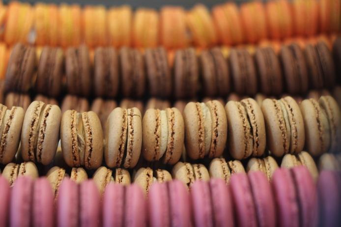macarons-732021_1920
