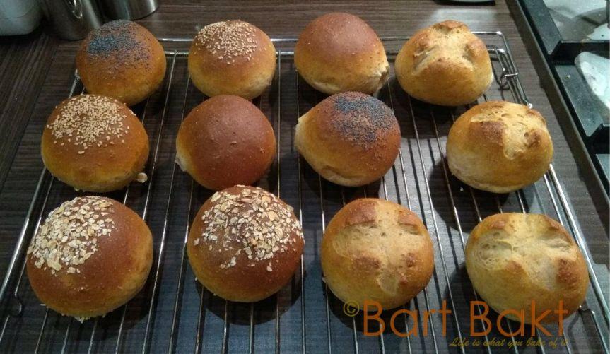 Bruine bolletjes net uit oven - cropped_watermerk
